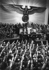 Berlin, Reichstagssitzung, Rede Adolf Hitler (Reichsadler im Hintergrund)